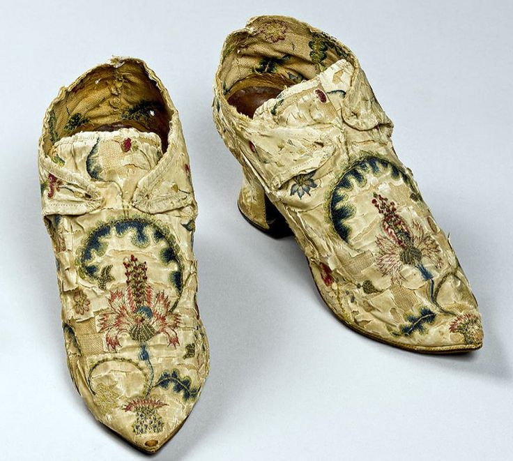 Woman's Shoes, c.1746, American Colonies, Made by Hannah Edwards , American, 1713 - 1773, Hand-stitched and embroidered silk and metallic threads on silk and linen, leather, and wood. CT Historical Society
