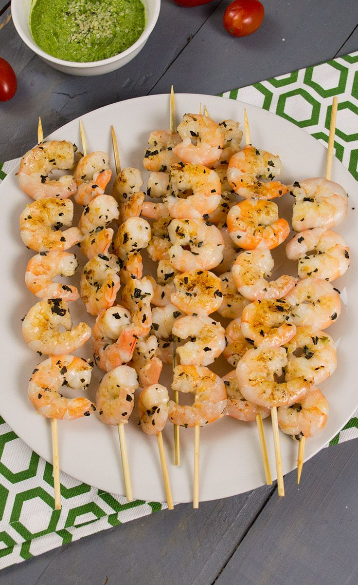 Grilled Shrimp -easy, healthy idea for your next cookout! These cook up in 5 minutes and are always a hit! Naturally low calorie and high protein! | www.PancakeWarriors.com