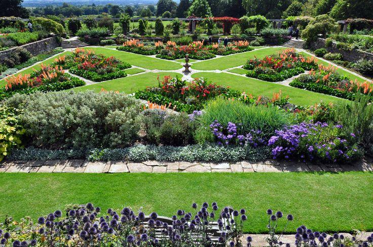 Hestercombe garden england gertrude jekyll pinterest for Gertrude jekyll garden designs
