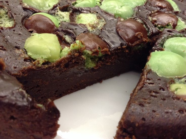 Slow Cooker Chocolate and Mint Aero Bubble Cake