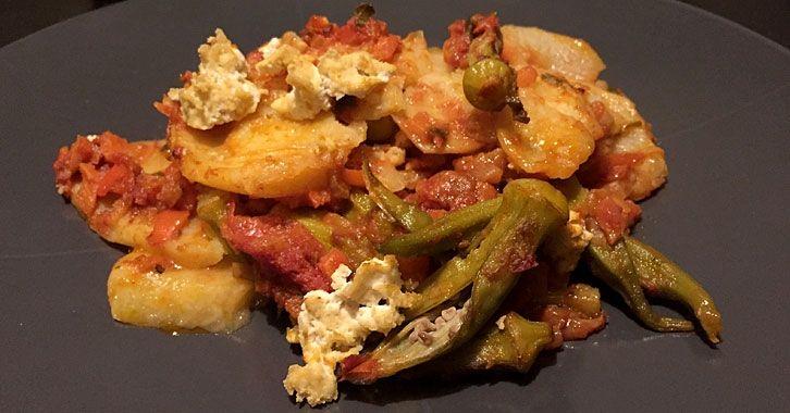 Μπάμιες στο φούρνο με πατάτες και τόφου  #vegan #veganfood #veganrecipe #glutenfree #recipe #whatveganseat #veganfoodshare #vegetables #noodles #tofu #μπάμιες #πατάτες #τόφου #συνταγές #χορτοφαγικές #χορτοφαγία