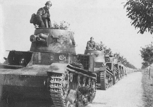 English Vickers E tanks in Polish service.