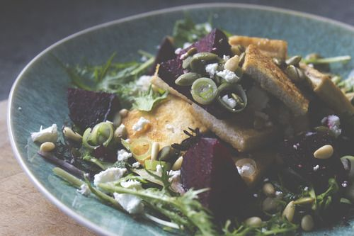 ROAST BALSAMIC BEET SALAD WITH CRISPY TOFU   #amazing #Rapidfitness