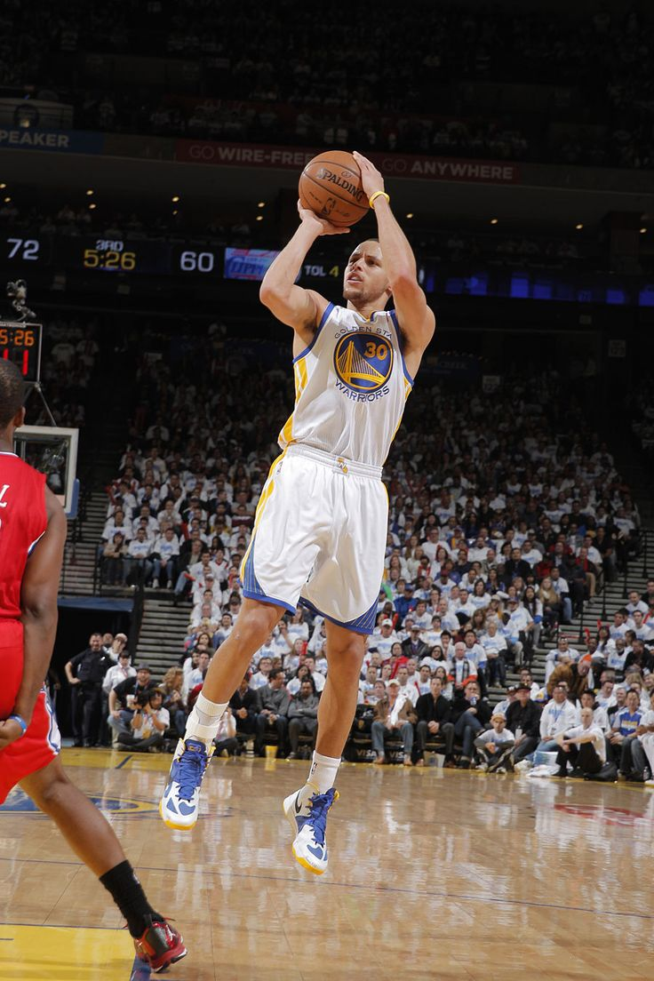 Stephen Curry finished with his 21st career 30-point game (third this season) to go with eight assists and six rebounds.