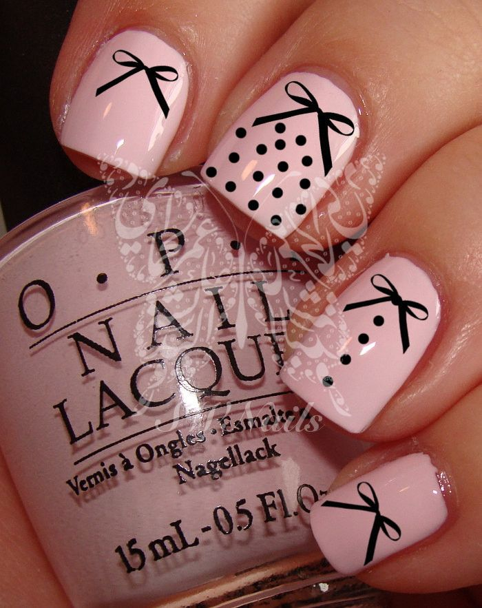 20 water decals (in 5 different sizes) on a clear water transfer which can be applied over any color varnish on either your natural or false nail. Use: 1. Paint nails in the color of your choice. 2. T