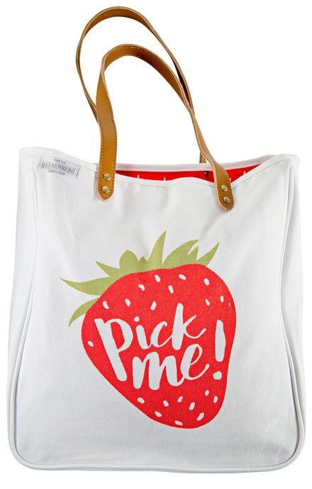 Our 'Pick Me!' Tote is perfect for all your special items. A stylish accessory for your next day trip, picnic or shopping spree in our farm shop. Grab yours today in-store or online. #Beerenberg #Shopping #Strawberries #Totebag