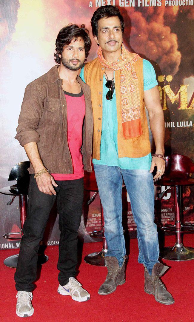 Shahid Kapoor and Sonu Sood at the 'R...Rajkumar' trailer launch. #Bollywood #Fashion #Style