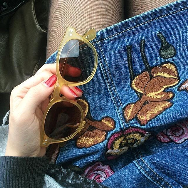 Chiara Cerioni pairs her Polluce with embroidered denim.What do you wear your #EPOS with?