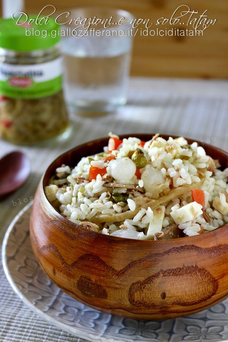 Insalata di riso classica, facile e veloce, perfetta da portare in ufficio!