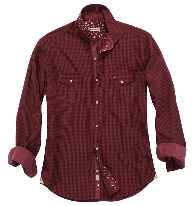 Camicia rossa a quadretti. Seguici anche su                          www.redisrappresentanze.it