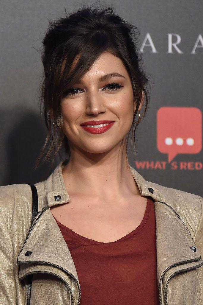 Úrsula Corberó peinados melena midi estilo. El estilo de la actriz en 22 peinados.