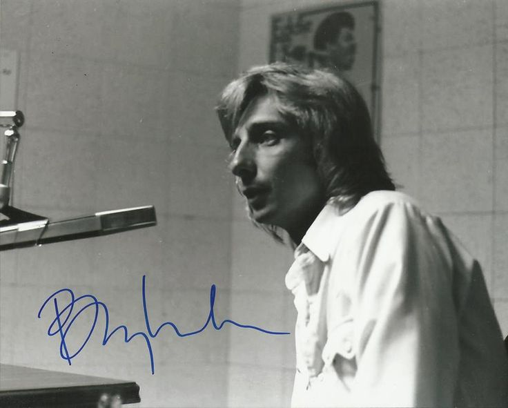 Barry Manilow in his early years!!