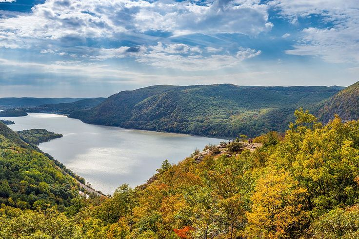 7 scenic NYCarea hikes you can get to using public