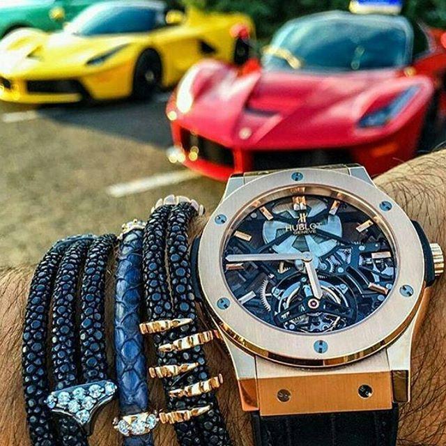 REPOST!!!  Hublot & 2xLaFerrari. Follow @bustinglifestyle for more. - - 📷 By @spjeweler - - #bustinglifestyle #hublot #bigbang #tourbillon #hublotbigbang #watch #watchporn #brand #diamond #gold #bracelet #laferrari #ferrari #supercar #sportcar #hypercar