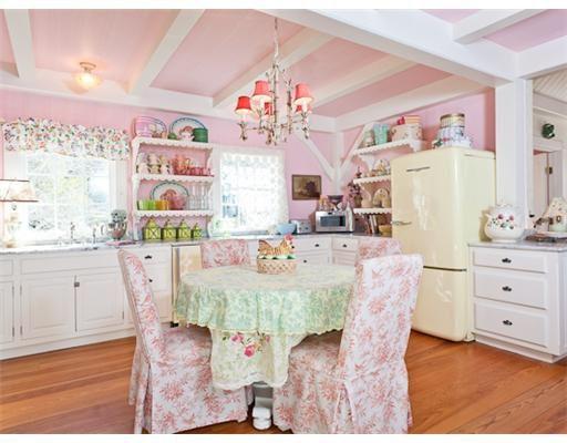Kirstie Alley's gorgeous pink cottage kitchen.