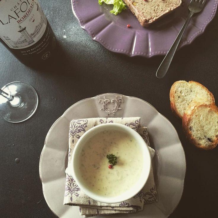 キノコのスープちょっとだけエスニックな香り試作です  Mushroom soup  ethnic flavor  #mushroomsoup  #foodstyling #foodphotography #instafood  #foodgasm  #theartofplating  #gastroart #きのこのスープ #クリスマス準備  #クリスマスメニュー by moritsukeshi