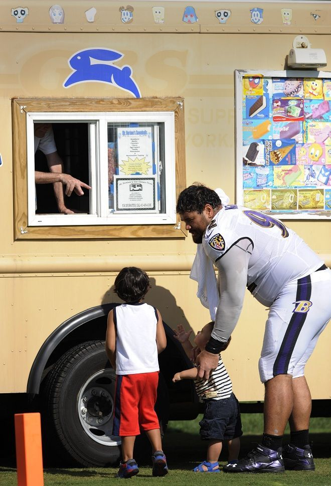 ngata with his sons ravens defensive tackle haloti ngata with his sons photo by