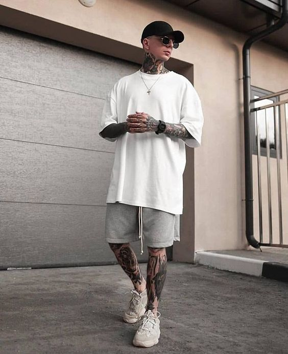 street wear boy, street style boy, street style boy hip hop In the last 30 Yeezy Outfit, Summer Outfits Men, Stylish Mens Outfits, Male Summer Fashion, Teen Guy Fashion, Male Fashion, Casual Outfits, Mode Streetwear, Streetwear Fashion