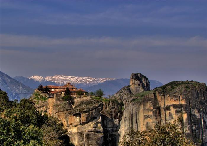Os Místicos Mosteiros de Metéora. Entre o céu e a terra – será que era esta a visão dos monges quando começaram a construção dos mosteiros?