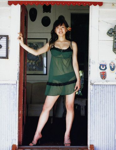 綾瀬はるかの画像|美人画像・美女画像投稿サイトの4U (via http://4u-beautyimg.com/image/a68b14151f3fa463f729a82b7d8be237 )