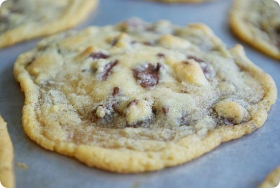 Vegan Chocolate Chip Cookies>>> chocolate and healthy my 2 favorite things! :-)
