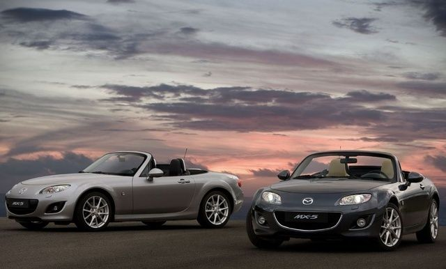 2008-2009 Mazda Miata MX-5 Grand Touring OEM Workshop Service Repair Manual (PDF)This manual contains maintenance and repair procedures for the 2008-2009 Mazda Miata MX-5. It contains useful information and tips that will help you repair and maintain your vehicle.This is a complete Original Service