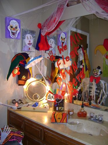 187 best halloween party scary clown circus images on for Haunted bathroom ideas