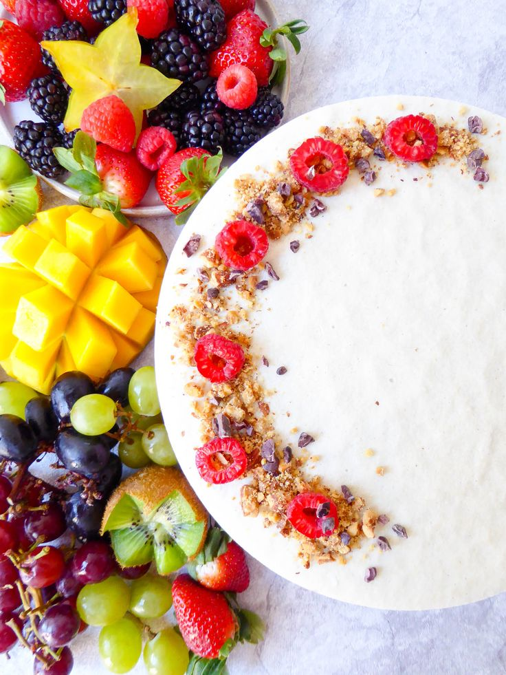 VEGAN CASHEW CHEESECAKE – My Organic Diary - http://my-organic-diary.com/2017/02/vegan-cashew-cheesecake/