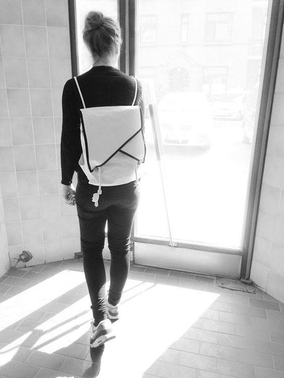 Geometrierucksack mit Notebookfach Tutorial plus Schnittmuster — gesehen und gesehen werden