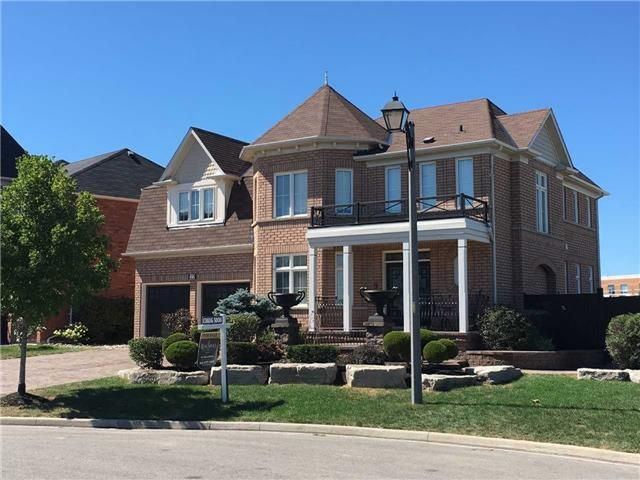 This Executive Home Located On The Trendy And Sought After Jordan Court Is Sitting On An Exclusive Lot