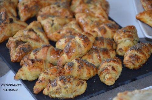 Croissants feuilletés au saumon fumé Croissants feuilletés au saumon fumé , coucou tout le monde !! Voilà des petits croissants feuilletés ausaumon fumé , au boursin et aux graines de pavot que j'aime souvent faire lorsque je reçois et qui sont appréciés par petits et grands! Ils sont d'une facilité , que même un enfantRead More