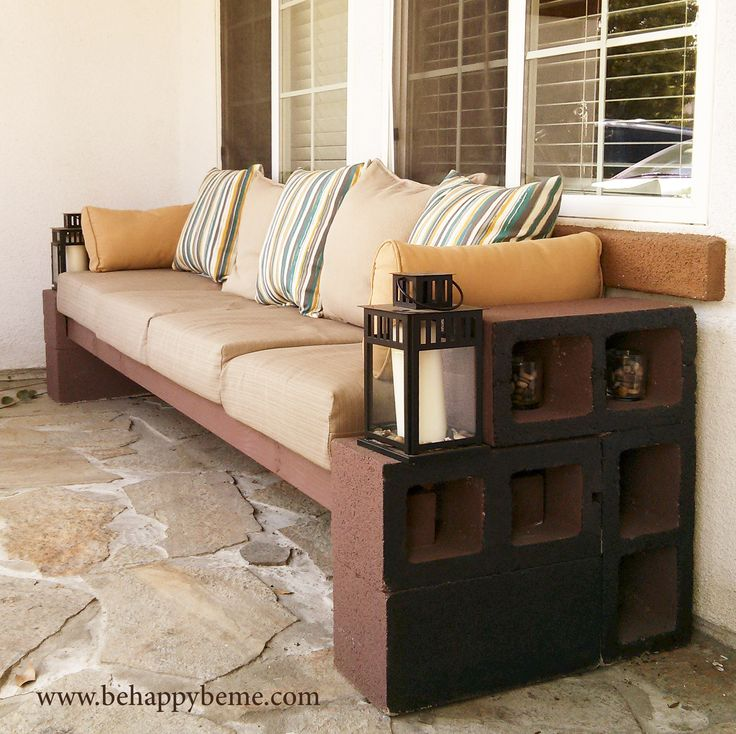 DIY: Outdoor seating With basically #cinder blocks, 4x4 lumber, and pillows. #garden