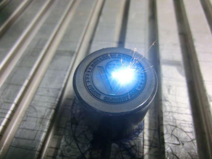 Процесс лазерной гравировки пресс-формы.  ++  Process of laser engraving of a mold.