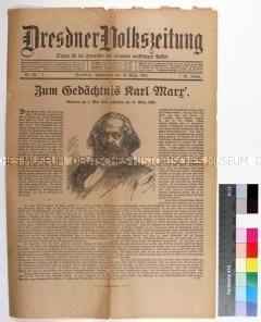 """Zeitung """"Dresdner Volkszeitung"""" mit Leitartikel zum 25. Todestag des Gesellschaftstheoretikers Karl Marx 1913"""