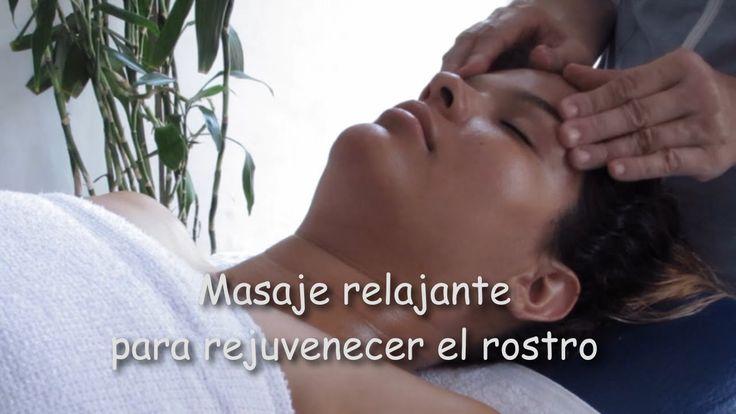 Masaje relajante para rejuvenecer el rostro