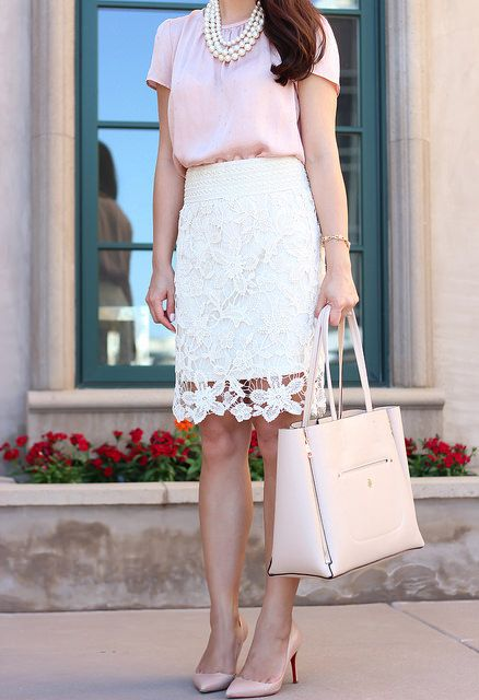 Ann Taylor Blush Tote and Crochet Lace Skirt - so classy and feminine! || Modest Style || Modest Fashion || Modest Outfit Inspiration ||