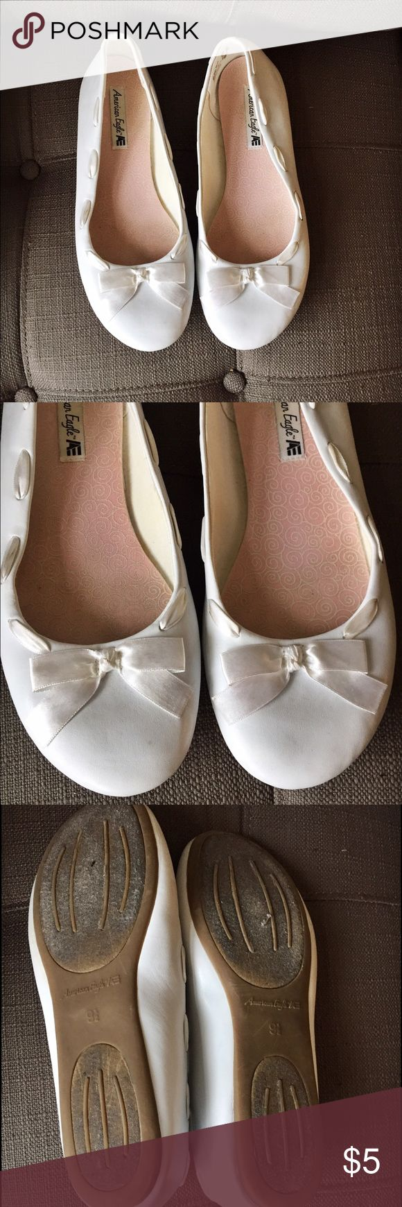 Women's American Eagle white slip-on shoes American Eagle white flat slip-on's. Size 9 1/2 American Eagle by Payless Shoes Flats & Loafers