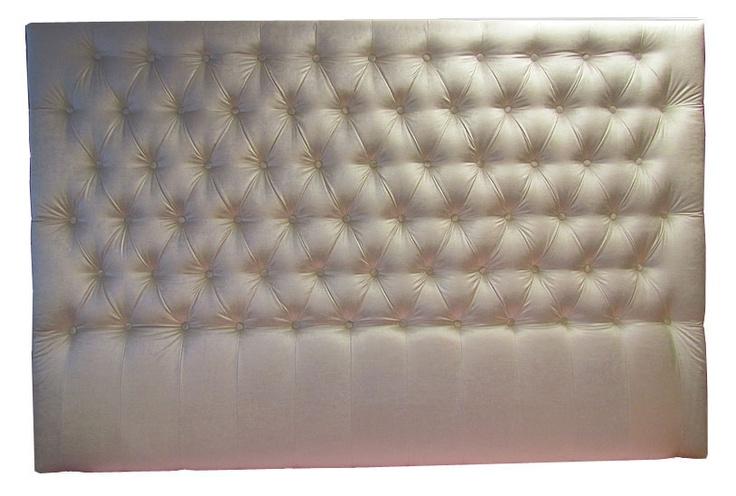 Sänggavel djuphäftad i sammet Du designar vi producerar obegränsat med valmöjligheter Våra