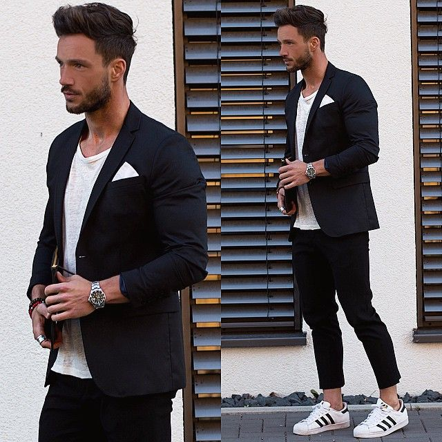 One of my fav. Outfits ✔️ Wish you all a nice weekend.. #classy #clean