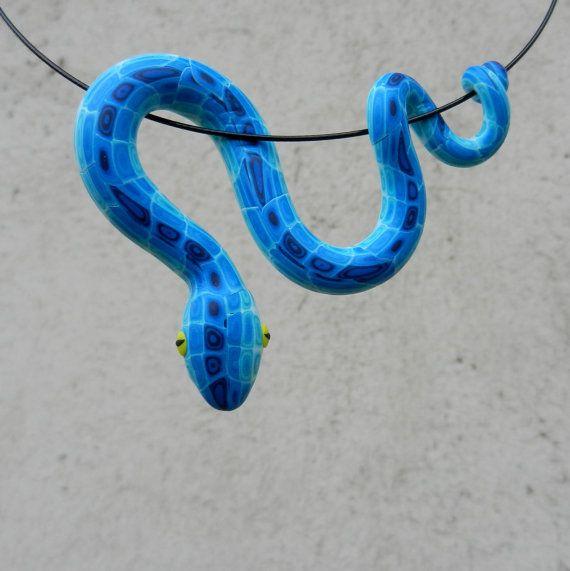 Schlange Anhänger Mehr