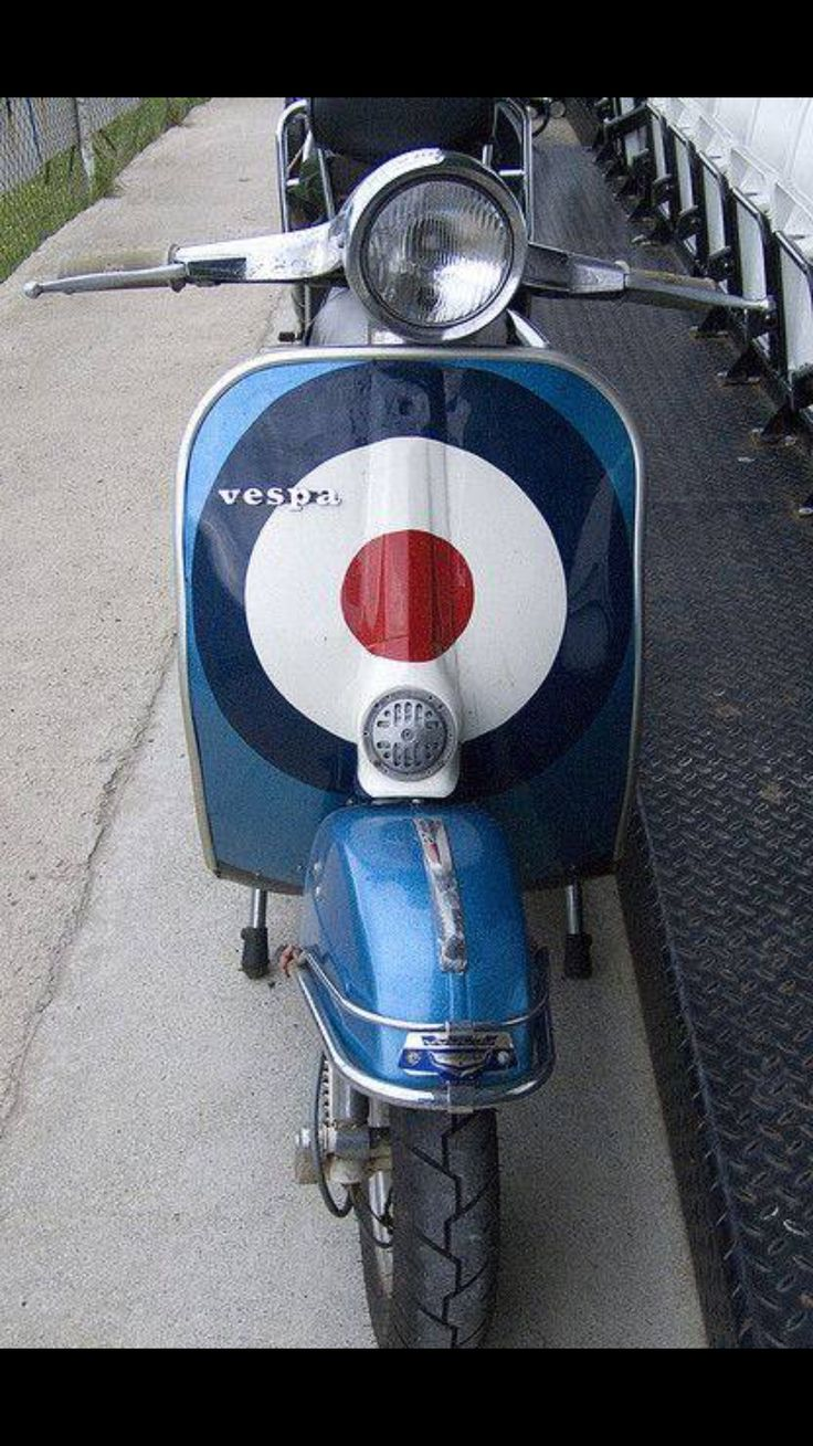 On target! #vespa #vespahartford #scooter #scootercentrale #fun #smile #spring