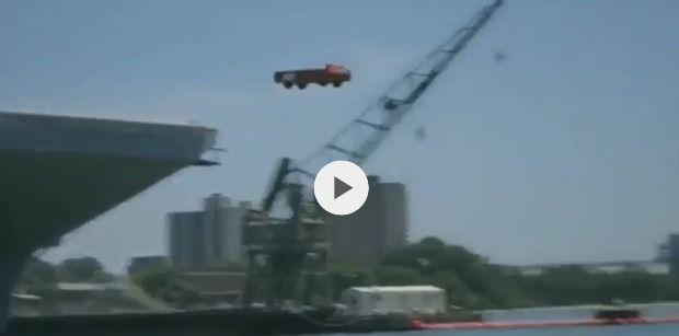 Miért dobál az amerikai hadsereg kocsikat a tengerbe? - VIDEÓ - https://www.hirmagazin.eu/miert-dobal-az-amerikai-hadsereg-kocsikat-a-tengerbe-video