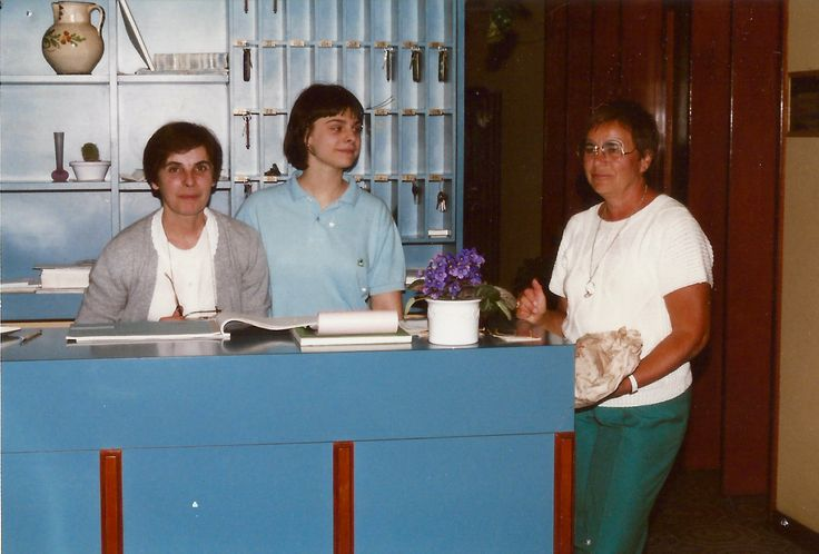 #HotelRudyCervia staff in the '80s: Anna is helping Fatma to welcome guests