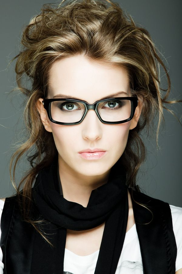 when going bold with severe black frames keep makeup simple the focus here is