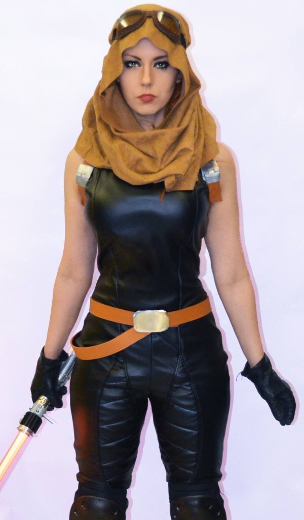 Amazing Mara Jade Cosplay.