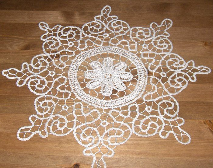 Romanian point lace doily  -  AN 12  -  round 45 cm