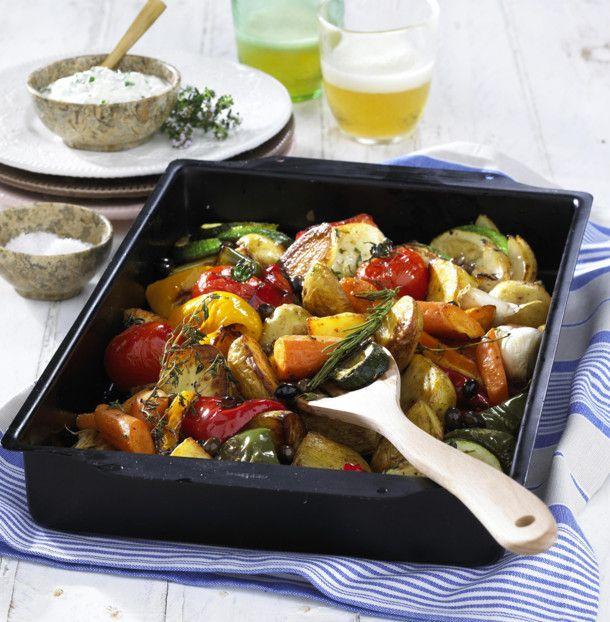 Unser beliebtes Rezept für Geschmortes Gemüse vom Blech und mehr als 55.000 weitere kostenlose Rezepte auf LECKER.de.