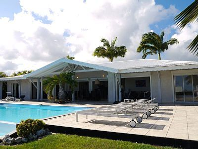 6 bedroom in St Francois. Pool but not on beach. 7 nights = $2904.05 + Refundable Damage Deposit $1698.27
