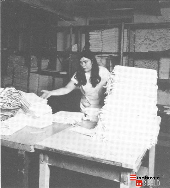 Binnenziekenhuis Eindhoven : wasserij.    Je was nooit klaar met je was.... En toen waren er nog 'andere' ARBO-eisen.