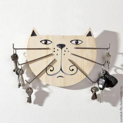 Прихожая ручной работы. Ярмарка Мастеров - ручная работа. Купить Настенная деревянная ключница Усатый круглый кот. Handmade. Бежевый